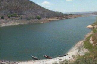 Veja a situação de um dos reservatórios de água mais importantes do alto sertão da Paraíba - Por causa da seca prolongada, reservatório da cidade de Cajazeiras já perdeu mais de 20 milhões de metros cúbicos em 3 meses.