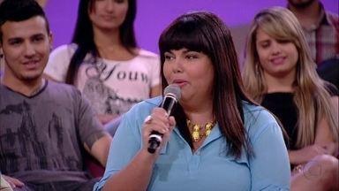 Fabiana Karla homenageia o grupo Mamonas Assassinas - Convidados falam sobre músicas que representam o bom humor