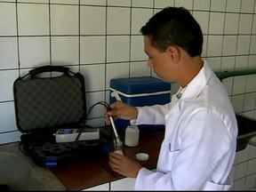 Aparelho desenvolvido pela UFJF ajuda a detectar fraudes no leite - Dispositivo portátil foi criado no Departamento de Física. Objetivo é aumentar o rigor de qualidade do produto