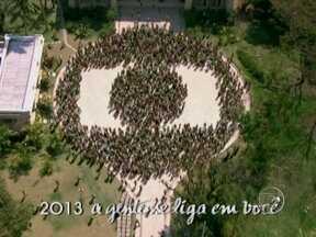Astros e estrelas se reuniram na campanha de fim de ano da Globo - Vídeo Show mostra os bastidores desta grande festa