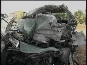 Família que morreu em acidente na BR-282 voltava de um velório - Família que morreu em acidente na BR-282, nesta segunda-feira, voltava do velório de parente.