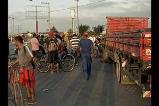 Violência no trânsito leva autoridades a discutir sinalização na av. Centenário - Ontem mais um acidente com morte foi registrado na avenida.