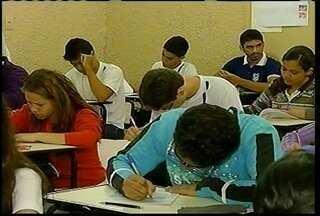Escolas públicas de Minas realizam nesta terça as provas do Proeb - A iniciativa serve para definir ações para melhorar a educação
