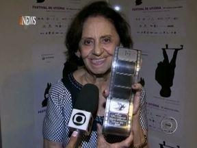 Laura Cardoso foi a grande homenageada no Festival de Cinema de Vitória - Atriz se emocionou na cerimônia