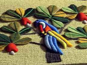 Artesãos do Sergipe ganham mercado cobrando preços mais justos pelas obras - Em Sergipe, o artesanato recebe incentivo de um projeto especial e aumenta a competitividade dos negócios. O artesão aprende a colocar preço nas peças, melhora as vendas e valoriza os produtos típicos do estado.