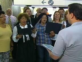 Corais se apresentam nas principais estações do Metrô - A partir desta segunda-feira (3), corais vão se apresentar nas principais estações do Metrô. A programação começa nas estações Clínicas, Vila Madalena, República e Sé.