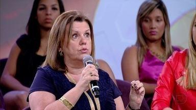 Leila Tardivo explica que muitos adolescentes se sentem perdidos - Psicóloga diz que os pais não podem esquecer que um dia também já passaram por essa fase