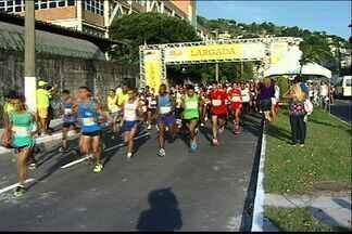 Corredores enfentam sol forte na Meia Maratona de Vitória - Corrida foi realizada na capital.