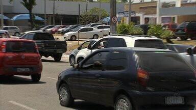 Polícia alerta motoristas no trânsito para evitar assaltos - Polícia dá dicas e cuidados que devem ser tomados para os motoristas não serem assaltados.