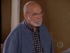 Da Cor do Pecado - capítulo de quarta-feira, dia 12/12/2012, na íntegra - Afonso tenta tirar Raí de Preta
