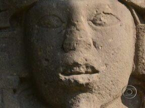 Civilização maia desconhecia noção de fim do mundo, diz arqueólogo - Não há nada em nenhuma inscrição deixada por maias que mencione o fim do mundo. Em apenas duas entre milhares de inscrições, há referência ao final de um ciclo de 5.200 anos. Os maias foram a mais avançada civilização da América Pré-colombiana.