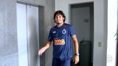 Reforços do Cruzeiro estiveram em Belo Horizonte - Ricardo Goulart, ex-Goiás, e Lucca, que defendia o Criciúma, estiveram na capital mineira para a realização de exames médicos.
