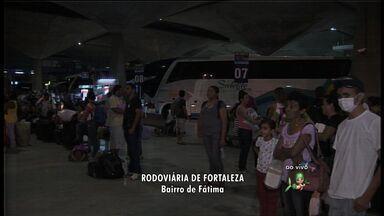 Rodoviária de Fortaleza tem forte movimentação na véspera de Natal - Cerca de 62 mil pessoas devem passar na rodoviária.