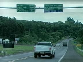 Movimento deve ficar mais intenso na noite desta sexta-feira com a saída para o feriado - Policiamento foi reforçado nas principais estradas da Região do Alto Uruguai, RS.