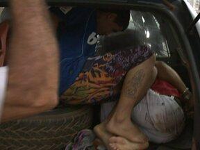 Policia prende quadrilha especializada em roubar carros - Em Águas Claras a policia prendeu uma quadrilha especializada em roubar carros, com perseguição pelas ruas da cidade. Tres bandidos tentaram roubar um carro na estação Arniqueiras do metrô. Testemunhas chamaram a policia, que começou a perseguição.