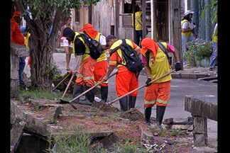 Prefeitura dá prazo de cem dias para limpar canais em Belém - Ontem, o bairro do Marco recebeu a operação limpeza. O governador do estado acompanhou o prefeito de Belém na visita ao local.