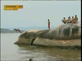 Em dez dias cinco pessoas lesionaram a coluna no litoral - Os acidentes sãos causados por mergulhos mal calculados.