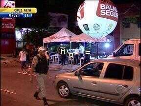 Motorista de ônibus passa em alta velocidade pela Operação Balada Segura em Porto Alegre - Ele teve a Carteira de Habilitação suspensa.