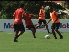 Flamengo se prepara para o Campeonato Carioca com a chegada de reforços - Mengão deve confirmar a chegada de Elias e Gabriel como as novas contratações.