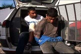 No ES, dupla é presa por mais de 200 assaltos em pontos de ônibus - Em 40 dias, suspeitos usavam moto roubada e faziam arrastão na Serra. Antes da prisão, houve perseguição policial na ES-010.
