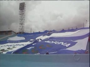Torcedores criam bandeirão para apoiar Londrina - Segundo torcida do Tubarão, bandeira é uma das maiores do país