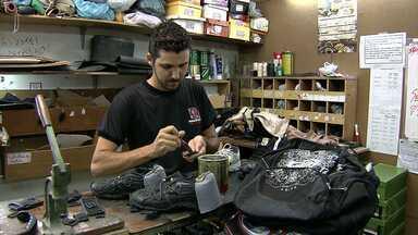 Lojas faturam com os preparativos para a volta às aulas - Janeiro é o melhor período do ano para os donos de lojas de materiais escolares.