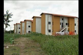 """JL1 mostra situação de moradores de residencial com problemas na estrutura - Conjunto """"Ivi Portela"""" fica no bairro do Paracuri, em Icoaraci."""