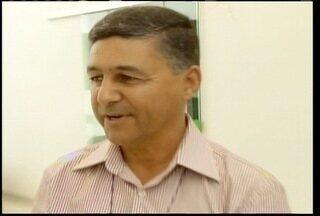 Carlúcio Mendes foi eleito o novo presidente da Amams - Carlúcio Mendes foi eleito o novo presidente da Amams. Ele venceu Ruy Muniz por 25 votos a 15.
