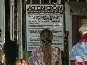 Cubanos já podem deixar país sem permissão do governo - O direito, no entanto, ainda não vale para médicos, atletas e cientistas. A enorme expectativa fez com que muita gente buscasse cartórios oficiais para emitir novos passaportes, que estão custando US$ 100.