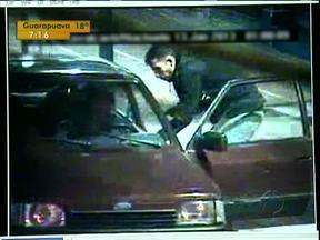Homem reage a assalto e mata bandido - Ele conseguiu tirar a arma do assaltante.