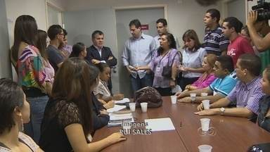 Concursados da Semsa se reúnem com vereadores na Semsa - A Comissão de Saúde da CMM reuniu na manhã de segunda-feira os representantes dos concursados da Secretaria Municipal de Saúde para discutir a convocação imediata do aprovados no concurso de 2012.