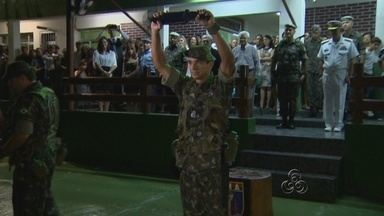 Cerimônia realiza passagem de comando no Cigs, em Manaus - Na noite de segunda-feira, a Cerimônia de passagem de comando foi realizada no Centro de Instrução de Guerra de Selva, em Manaus.
