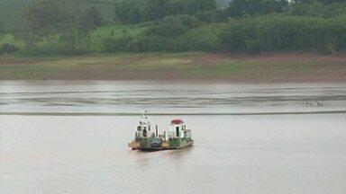 Falta de chuva causa prejuízo em Lago de Furnas, no Sul de Minas - Chuva dos últimos dias não foi suficiente para mudar o cenário.