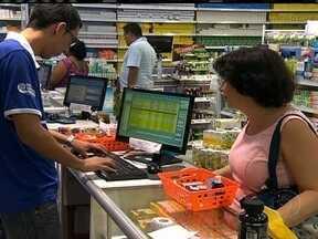 Lei de falsificação de remédios não tem efeito ainda no Brasil - Uma lei aprovada em 2009 prevê a criação do Sistema Nacional de Controle de Medicamentos para reduzir esse risco e dificultar a sonegação de impostos e a venda de remédios roubados. Mas até hoje, nada mudou.