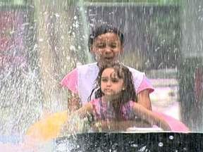 Crianças aproveitam as férias em parque de São Bernardo do Campo - A cidade da Criança, é um parque de diversões em São Bernardo do Campo, que possui cerca de 40 brinquedos. O parque que existe há mais de 40 anos recebeu uma recente reforma e ganhou novos brinquedos.