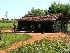 Índios e fazendeiros disputam a posse de propriedades em Guaíra - O clima de é apreensão.Os Guaranis invadiram áreas no campo, nas cidades e pedem a demarcação de um território na região.