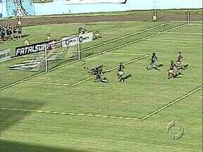 Tubarão faz quatro e não dá chances para o Toledo - Torcedor do Londrina gostou da estreia do time. Próximo jogo é contra o Rio Branco.