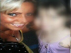 Modelo catarinense é presa acusada de sequestrar a filha em Londres - Modelo catarinense é presa acusada de sequestrar a filha em Londres.