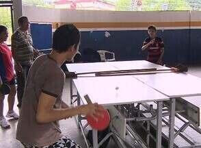 Projeto de tênis de mesa ajuda na educação em escola de Manaus - Projeto foi uma iniciativa da mesatenista Helen Silva, campeã brasileira da classe 10.