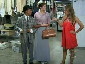 Como manda o figurino: Elenco de Malhação prova roupas de 'Lado' - Colegas se divertiram aos vestir os looks de época