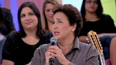 Claudia Jimenez: 'É mais fácil dizer não por torpedo' - Atriz brinca que 'estraga' o filho de Carol Dieckmann
