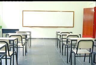Colégios de Cabo Frio, RJ, cobram taxas ilegais de alunos - As taxas de matrícula precisam ser descontada na mensalidade.Outra opção é que a taxa seja dividida nas parcelas ao longo do ano.
