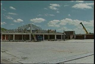 Recomeçam as obras no Centro de Eventos em Santa Maria, RS. - A obra começou em 2007 e não tem data para ser finalizada.