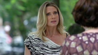 Antonia descobre que Celso viajou com Raissa - Isaurinha se desespera quando ela ameaça chamar a polícia