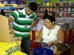 Feira de material escolar oferece mais de 5 mil itens em Porto Alegre - Preços tem até 30% de desconto.