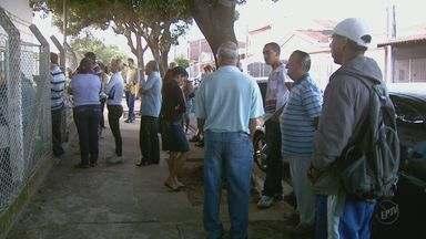 Pacientes enfrentam dificuldades para marcação de consultas em São Carlos - Pacientes enfrentam dificuldades para marcação de consultas em São Carlos.