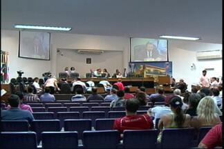 Vereadores votam projetos da Reforma Administrativa, em Joinville - Sessão extraordinária serviu para discutir parcelamento de dividas com servidores