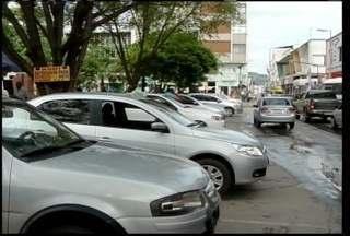 Usuários de táxi de Montes Claros reclamam da demora e da qualidade do atendimento - Usuários de táxi de Montes Claros reclamam da demora e da qualidade do atendimento
