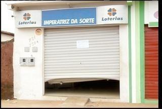 Polícia ainda procura por ladrões que assaltaram uma lotérica no bairro Independência - Usuários de táxi de Montes Claros reclamam da demora e da qualidade do atendimento. Valor levado náo foi divulgado.