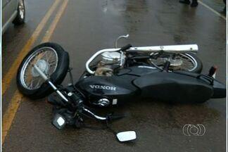 Militar da Base Aérea de Anápolis sofre grave acidente na BR-414, em Goiás - Acidente aconteceu nesta quarta (23), na rodovia que liga Anápolis a Pirenópolis.Jovem de 20 anos foi socorrido ao Hospital de Urgências de Anápolis (Huana).